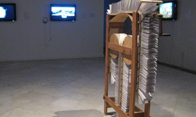 Ismary-Gonzalez-Maquina-para-contar-historias-ciclicas-2004