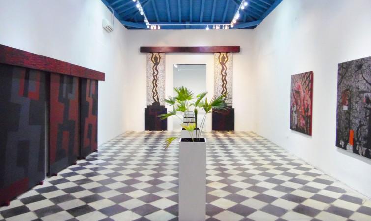 04 Vista general con Pórtico, 1989, st 1989 y De la instalación Tropicalia II, 1988