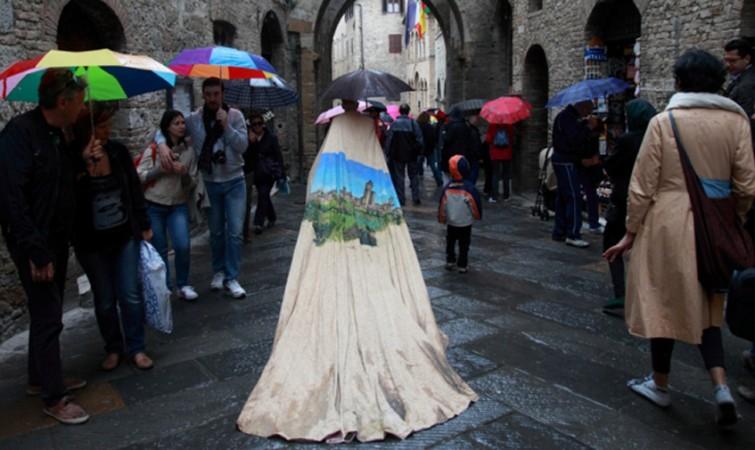 2-Insideout.-2012-99hrs-Galería-Continua.-San-Gimignano