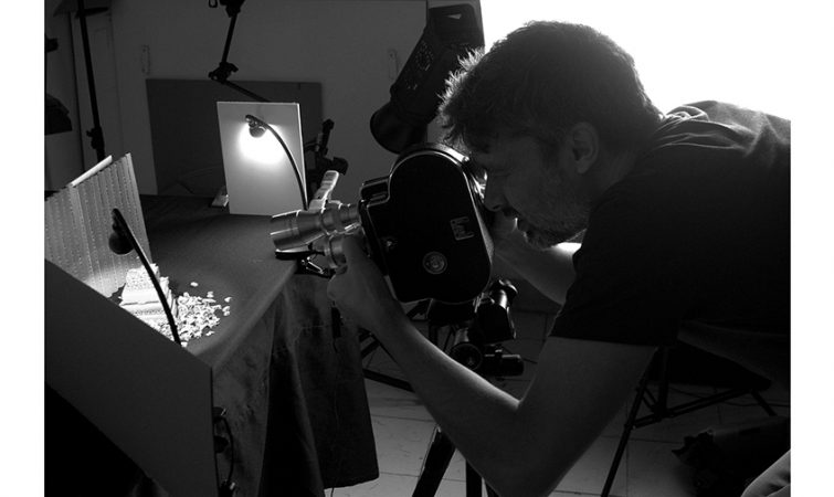 Alejandro-Gonzalez,-filmando-Un-paso-p´lante-un-paso-p´tras,-Segundo-Taller16mm,-2017