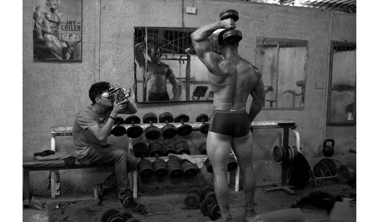 Arien-Chang,-filmando-A-base-de-vianda