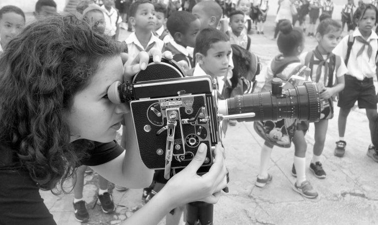 filmando Sistema matutino. Lucy Morell